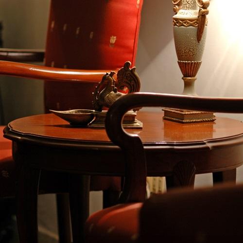 lakk_asztal